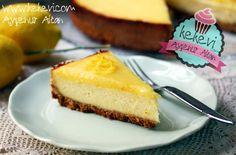 Limonlu Cheesecake, yoğun aromalı ve ferahlatan tadıyla cheesecake sevenlerin ilk tercihlerinden olacak nefis bir cheesecake çeşidi. Özellikle limon kremasıyla bu tatlıya bayılacaksınız. Malzemeler…