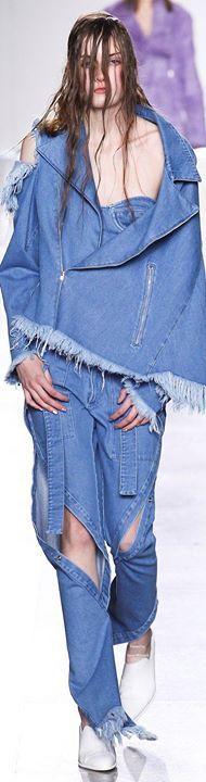 Muito Fôfo Gostaram ?   Encontre Calças Jeans nessa loja  http://imaginariodamulher.com.br/look/?go=1SNkoPu