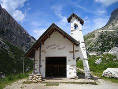 Chiesetta al Passo Falzarego, Belluno Dolomiti Veneto Italia