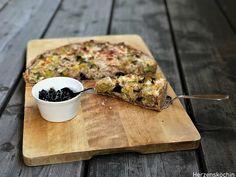 Lauch-Walnuss-Quiche mit Briekäse und Pflaumenchutney Brie, Quiches, Go Veggie, Strudel, Galette, Camembert Cheese, Food And Drink, Veggies, Snacks