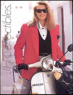 JH Collectibles Fashion Vespa Motor Scooter (1990)