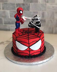 Avengers Birthday Cakes, Hulk Birthday, Superhero Birthday Cake, 4th Birthday Cakes, Spiderman Birthday Ideas, Superhero Party, Spiderman Torte, Spiderman Pasta, Marvel Cake
