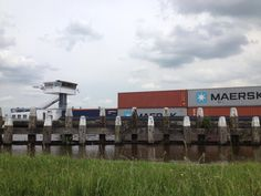 Containers over de Gouwe