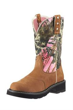 New Pink Camo boots from Ariat!