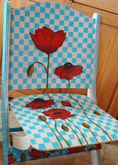 painted furniture--this started out as an old wooden folding chair...super cute!