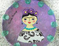 Pratos de papel machê com Frida Kahlo