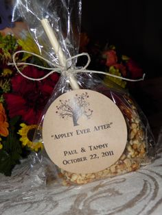 """""""Appley Ever After"""" caramel apple wedding favors for a fall wedding. Avery brown round labels + hemp cord and free printables. Ta-da!"""