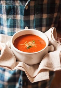 Every time I eat creamy tomato soup I come back to one thing: it tastes like thinned out marinara sauce. Does anyone else think that? Why can't I get past that?! I keep telling myself it's soup--it's not pasta sauce. But my brain freezes up and