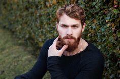 """Akých chýb sa dopúšťajú ženy vo vzťahoch? Muži nám otvorene povedali čo ich """"irituje"""" - Lalala.sk Designer Stubble, Beard Trend, Fashion Documentaries, Colored Hair Tips, Clean Shaven, Full Beard, How To Look Handsome, Hair Regrowth, Shaving"""