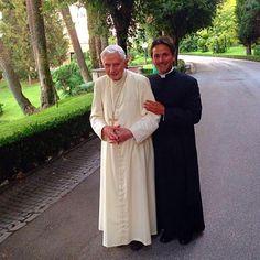 Papa Benedicto and Archbishop Georg Ganshwein