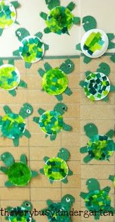Learning about sea turtles via The Very Busy Kindergarten: Under The Sea Kindergarten Crafts, Classroom Crafts, Preschool Crafts, Kindergarten Learning, Under The Sea Crafts, Under The Sea Theme, Toddler Crafts, Crafts For Kids, Decoration Creche