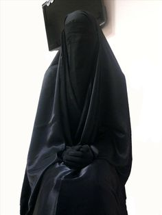 How can this be oppression of women? ~ Of course it is NOT . Islam makes me so happy.Wearing bikini and getting used by a thousand womanisers doesn't mean freedom.Freedom is for Mind Arab Girls Hijab, Muslim Girls, Muslim Women, Hijab Niqab, Muslim Hijab, Hijabi Girl, Girl Hijab, Baby Hijab, Real Beauty