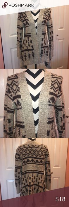 Sweater Cardigan Good condition, warm and super cute Charlotte Russe Sweaters Cardigans
