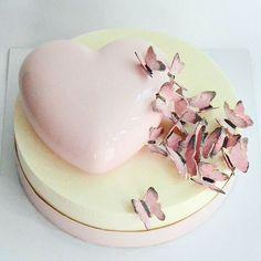 WEBSTA @ arts_bakery - 🌸🌸🌸 мимими)))Я буду не я без розовых тортов😆Бабочки и… Cupcake Cakes, Cupcakes, Mirror Glaze Cake, Heart Cakes, Mouse Cake, Panna Cotta, Fun Desserts, Food Styling, Main Dishes