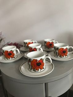 J &G meakin 'poppy ' design . 6 cups n saucers in perfect condition. Vibrant red , orange and green Cup 7 cm H W saucer Funky Junk, Cup And Saucer, Poppy, 1970s, Tea Cups, Etsy Shop, Trending Outfits, Unique Jewelry, Tableware