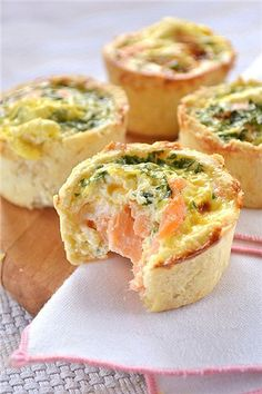 "Tartlets with salted salmon. Again wait for the guests ""for coffee"" and come up with options for all kinds of . Good Food, Yummy Food, Tasty, Cooking Recipes, Healthy Recipes, Snacks Für Party, Russian Recipes, Quick Meals, Fish Recipes"