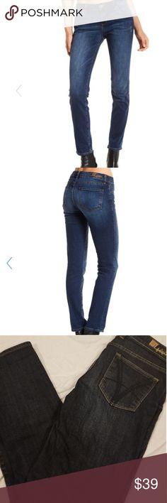 Kut from the Kloth Katy Boyfriend Jeans Size 6 Like new condition! Kut from the Kloth Katy Boyfriend Jean's size 6. Kut from the Kloth Jeans Boyfriend