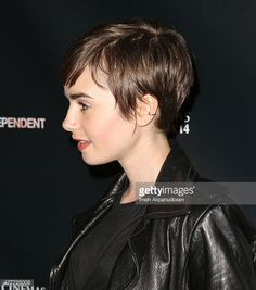 477725008-actress-lily-collins-hair-detail-attends-the-gettyimages.jpg (524×594)