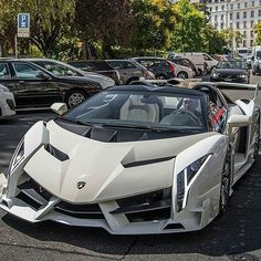 """2017 Lamborghini Veneno Roadster"" Pictures of New 2017 Cars for Almost Every 2017 Car Make and Model, Newcarreleasedates.com  is…"
