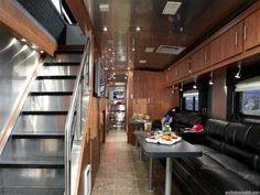 Airstream 2007 Skydeck Class A Motorhome. Airstream Campers, Airstream Interior, Trailer Interior, Vintage Airstream, Vintage Travel Trailers, Remodeled Campers, Airstream Renovation, Van Interior, Interior Design