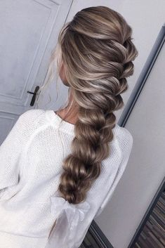 48 Hottest Bridesmaid Hairstyles For 2020 + Tips Advice ❤ bridesmaid hairstylestextured on long hair mermaid braid komarova_muah Blonde Hair With Highlights, Brown Blonde Hair, Light Highlights, Medium Blonde, Pretty Hairstyles, Braided Hairstyles, Mermaid Hairstyles, Aesthetic Hair, Blonde Aesthetic