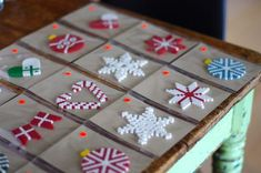 Bilderesultat for perler jul Christian Christmas Crafts, Christmas Angels, Christmas Diy, Christmas Ornaments, Kids Crafts, Diy And Crafts, Hamma Beads Ideas, Christmas Perler Beads, Hama Mini