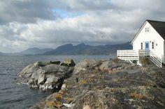 Hjartnes Sjøhus - Holiday home along the Hardangerfjord, Norway.