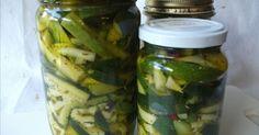 Ingredienti   2 Kg. di zucchine  ml. 250 di aceto bianco  2 cucchiai di sale fino  ml. 250 di olio extra vergine di oliva + quello per i...