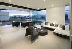 Living room: Casa V2 en Playa Gaviotas - Gomez de la Torre & Guerrero Arquitectos