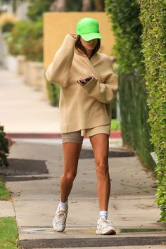 Summer Day Outfits, Fashion Models, Fashion Outfits, Hailey Baldwin, Kendall Jenner, Outfit Of The Day, Hollywood, How To Wear, Clothes