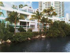 16500 COLLINS AV Sunny Isles Beach FL 33160