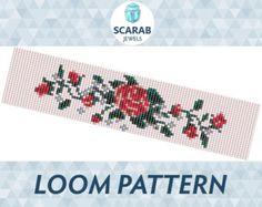 Native American Style Pattern Loom Bead Bracelet / por ScarabJewels