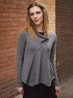A simple shape that contains so much movement, this turtleneck features a clever insert that interrupts the otherwise straightforward stockinette pullover. Pieces are joined with visible seams that highlight intersecting pieces.