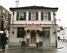 The Kings Head, London Picture: kings head front  - Check out TripAdvisor members' 53,068 candid photos and videos of The Kings Head