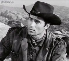 Pretty boy Cheyenne Tv Show, Cheyenne Bodie, Clint Walker Actor, James Drury, Poldark, Tv Actors, Hollywood Star, Elvis Presley, Pretty Boys