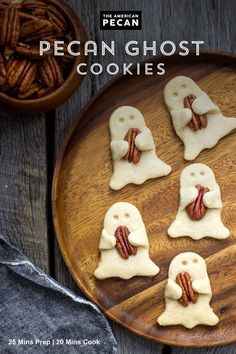 Searching for the perfect Halloween treat? These Pecan Shortbread Ghost Cookies are so tasty, it's spooky. Serve them as a festive treat at your Halloween party! Halloween Desserts, Postres Halloween, Halloween Goodies, Halloween Food For Party, Holiday Desserts, Holiday Treats, Holiday Recipes, Halloween 2020, Halloween Crafts