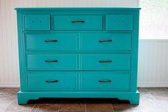 Painting Furniture: DIY Dresser Makeover