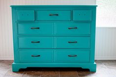 Painting Furniture: DIY Dresser Makeover