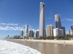 AUSTRALIE - QUEENSLAND - Gold Coast - Surfers Paradise Surfers, Gold Coast, San Francisco Skyline, Paradise, Travel, Australia, Surf Girls, Voyage, Viajes