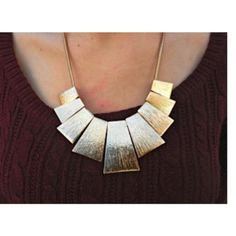Gold statement necklace Gold statement necklace brand new Super cute for the holidays! Jewelry Necklaces