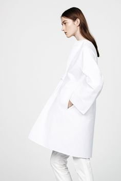 See the complete Jil Sander Resort 2015 collection.
