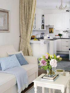 Use a curtain to separate the living room from the kitchen in small apartments. Small Apartment Interior, Small Apartment Living, Small Space Living, Apartment Design, Living Spaces, Living Room, Studio Apartment, Apartment View, Studio Room