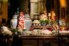 Decoração criada por Marcela Lenz Cesar. O casamento de Ana Carolina e Pedro, publicado no Euamocasamento.com. As fotos são de Ricardo Gomes. #euamocasamento #NoivasRio #Casabemcomvocê