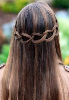 28 Hottest Spring & Summer Hairstyles for Women 2017 - What is the easiest way to quickly change your look and become catchier? Several ways can help you to change your look. Some of these ways are costly. Baby Girl Hairstyles, Sleek Hairstyles, Everyday Hairstyles, Latest Hairstyles, Summer Hairstyles, Traditional Hairstyle, Twist Ponytail, Hot Hair Styles, Crazy Hair