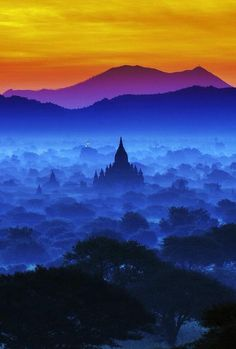 Magical Sky of Bagan, Burma - Explore the World with Travel Nerd Nici, one… Bagan, Places To Travel, Places To See, Beautiful World, Beautiful Places, Beautiful Sky, Places Around The World, Around The Worlds, Jolie Photo