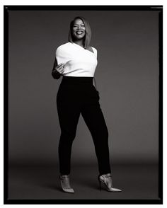 Queen Latifah, black and white photo Curvy Fashion, Plus Size Fashion, Girl Fashion, Fashion Looks, Instyle Magazine, My Black Is Beautiful, Beautiful People, Look Plus Size, Queen Latifah