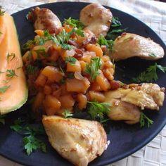 Egy finom Fokhagymás csirkemell sárgadinnye-csatnival ebédre vagy vacsorára? Fokhagymás csirkemell sárgadinnye-csatnival