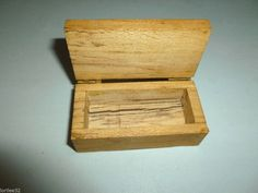 MINIATURE WOOD HINGED NATURAL STORAGE HOPE QUILT CHEST FOR THE DOLL HOUSE
