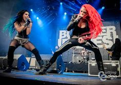 Cutting Edge | Butcher Babies, Graspop Metal Meeting 2015