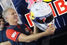 Diretor Técnico da Red Bull Racing, Andreas Mattheis, ganha presente especial e dedica a mecânicos.